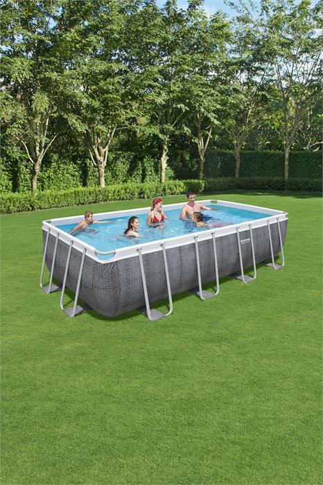 sasnd auf der unterseite der pool